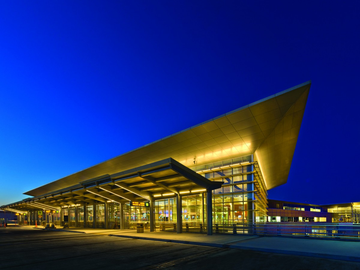 New and Notable: Winnipeg Richardson International Airport - The Winnipeg Richardson International Airport is a destination in its own right (photo by Gerry Kopelow)
