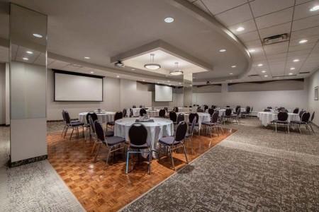 Clarion Hotel & Suites Winnipeg